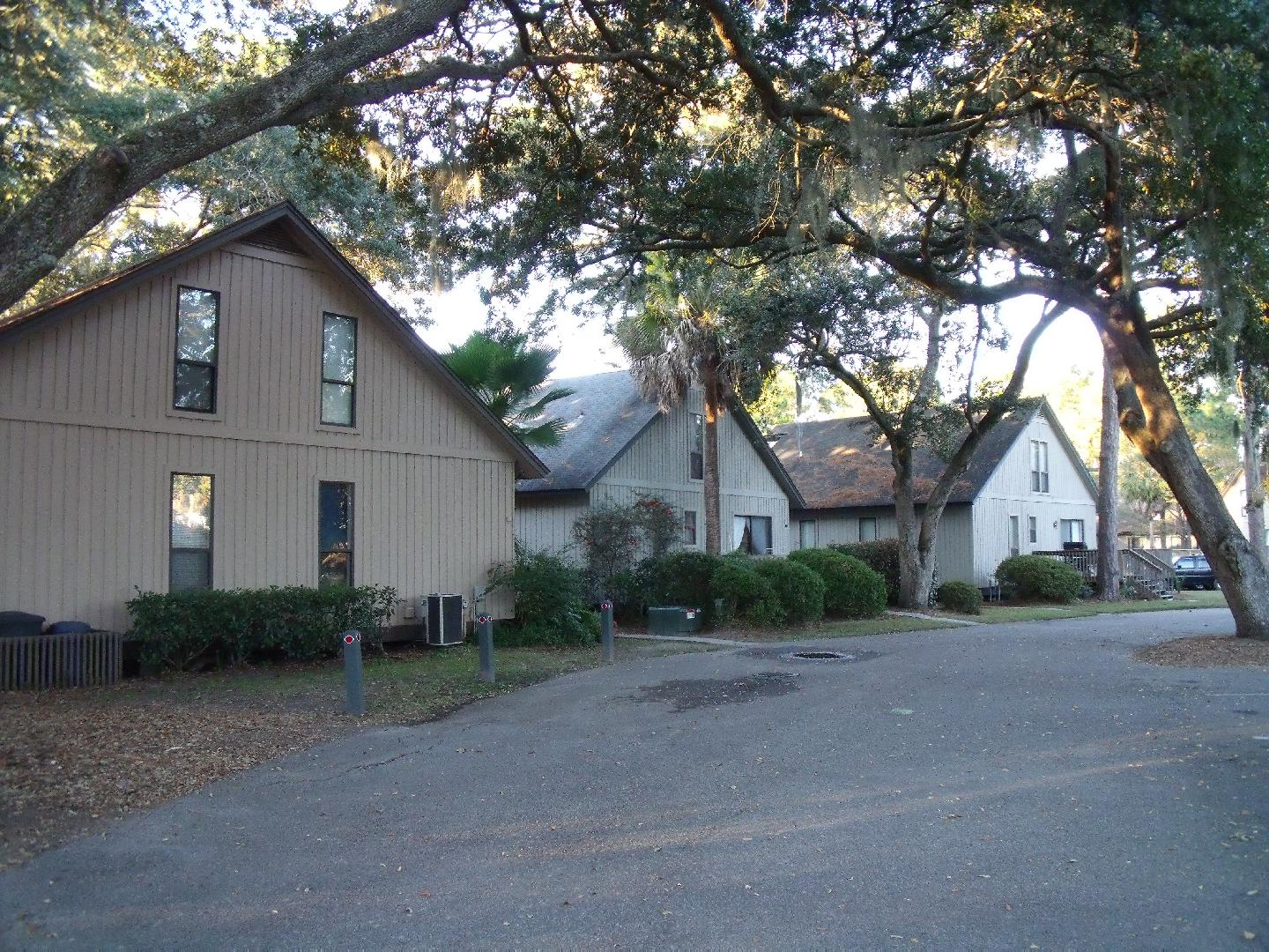 Hilton head island realty and rentals for Closest fishing store
